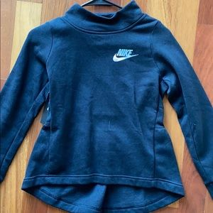 NWT Black nike sweatshirt